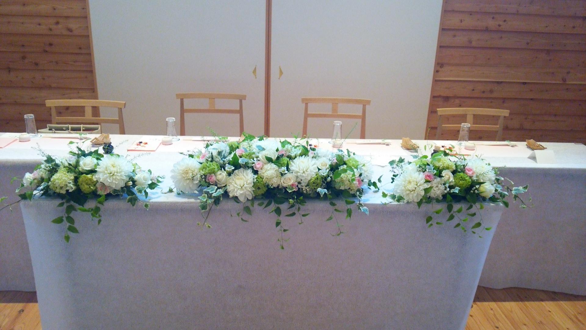阪神姫島駅近くの花屋です。