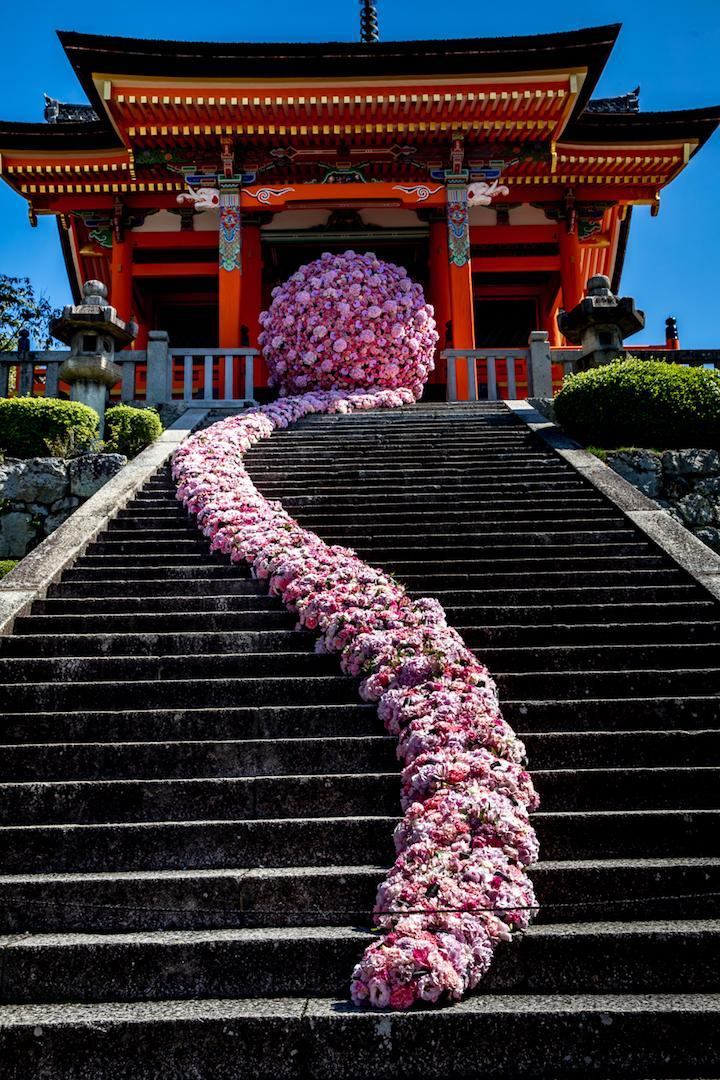 京都清水寺にて大規模イベント装花